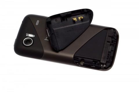 HTC 7 Mozart mit geöffneter Akkuabdeckung
