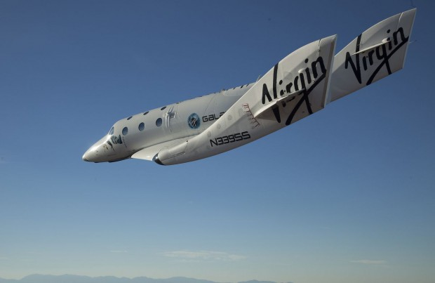 Spaceship Two im Gleitflug (Foto: Virgin Galactic)