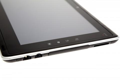 Die vier Android-Tasten sind sehr schwergängig. Trotzdem werden die Tasten manchmal auch ohne Druck ausgelöst.