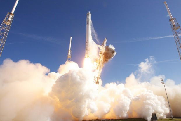 Cape Canaveral, 8. Dezember 2010: Die Falcon 9 ... (Foto: Space X)