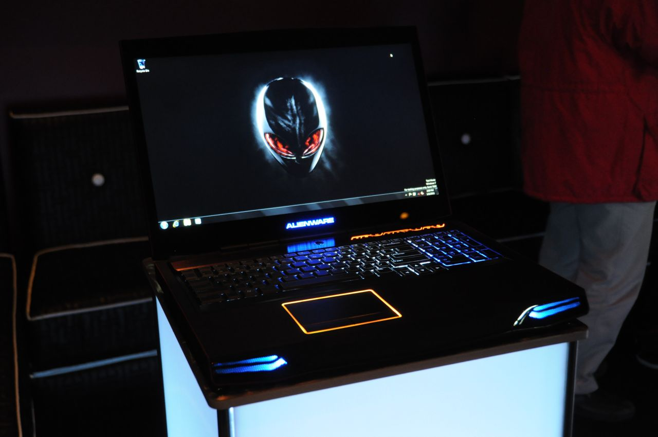 Dell: Alienware und XPS mit Full-HD-3D-Displays - Alienware M17x