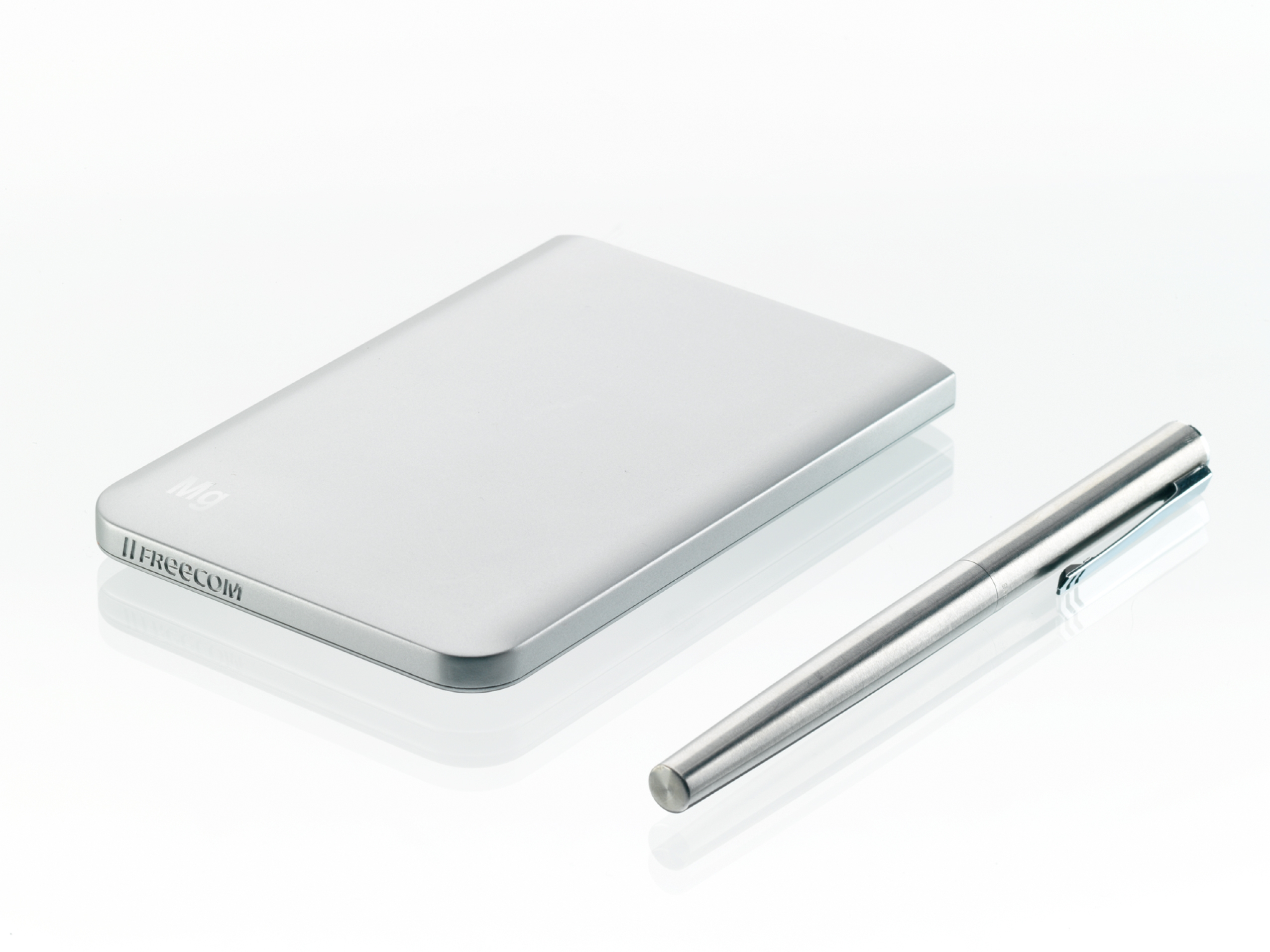 Freecom: Externe Festplatte mit 1 cm Höhe - Freecom Mobile Drive Mg