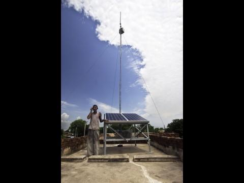 World-GSM auf einem Dach im indischen Rajasthan (Foto: VNL)