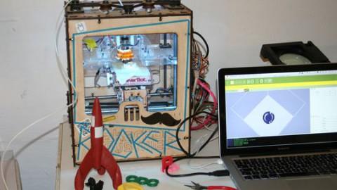 Der Makerbot im Betahaus in Berlin-Kreuzberg (Bild: Johannes Thumfart)