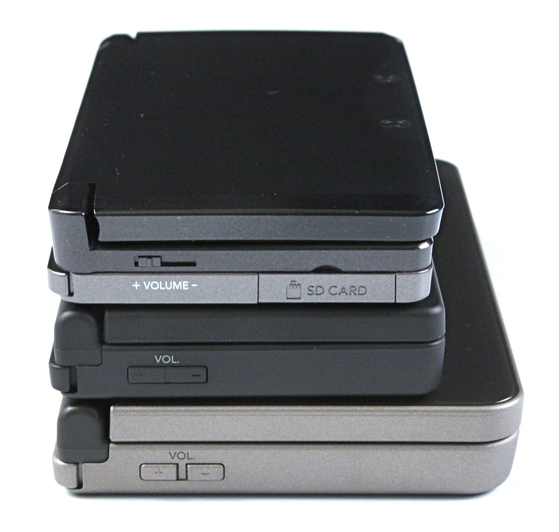 3DS: Nintendos Neuer im Importtest - Von unten nach oben: DSi XL, DSi, 3DS (Foto: mw)