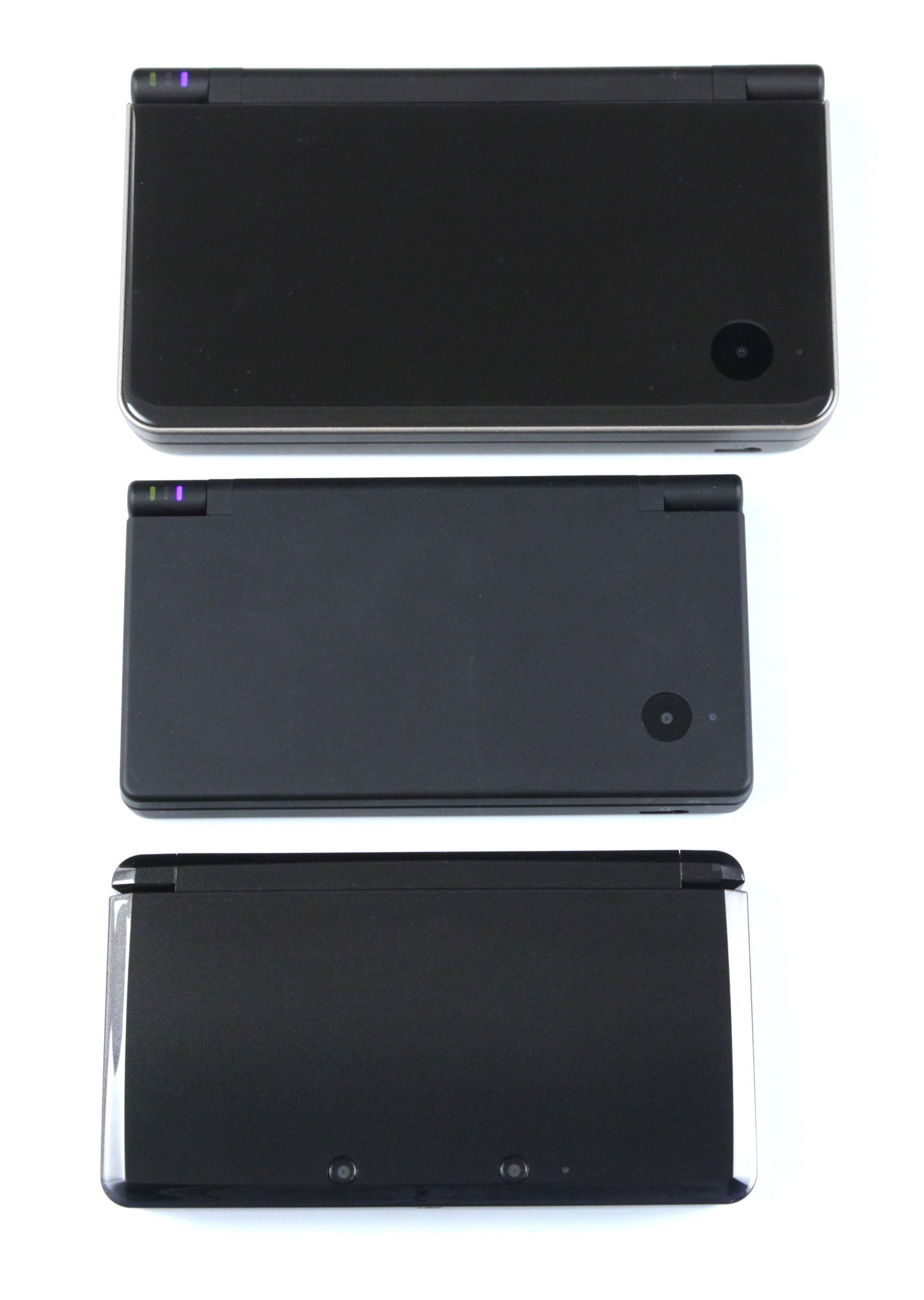 3DS: Nintendos Neuer im Importtest - Von unten nach oben: 3DS, DSi, DSi XL (Foto: mw)