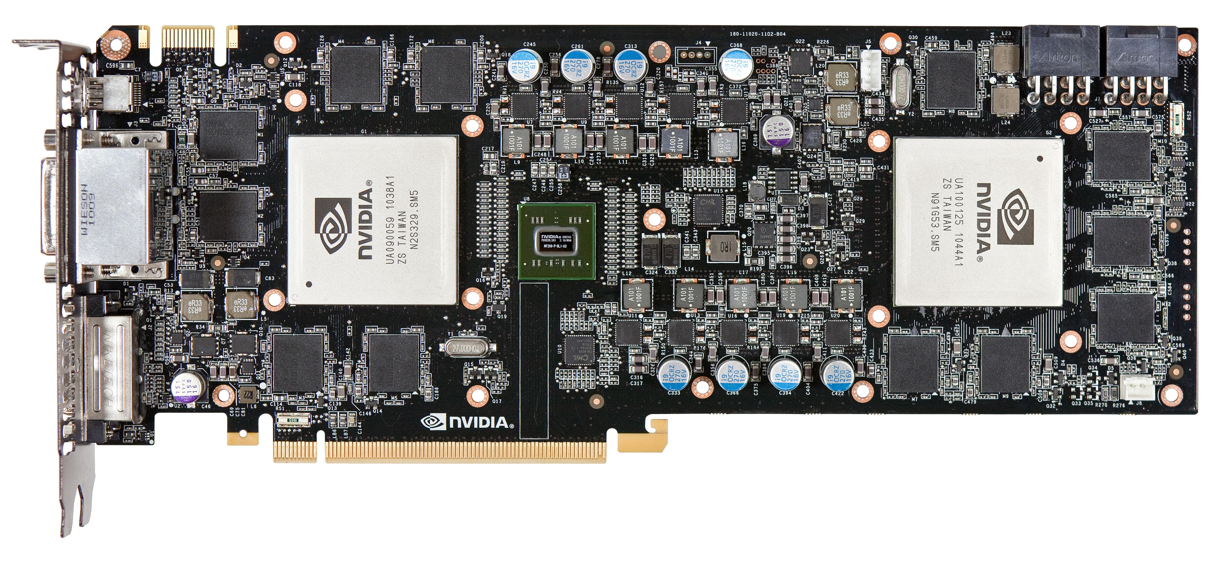 Geforce GTX 590 im Test: Nvidias Doppel-GPU ist leiser, aber nicht immer schneller - Der NF200-Chip in der Mitte verbindet die beiden GPUs.