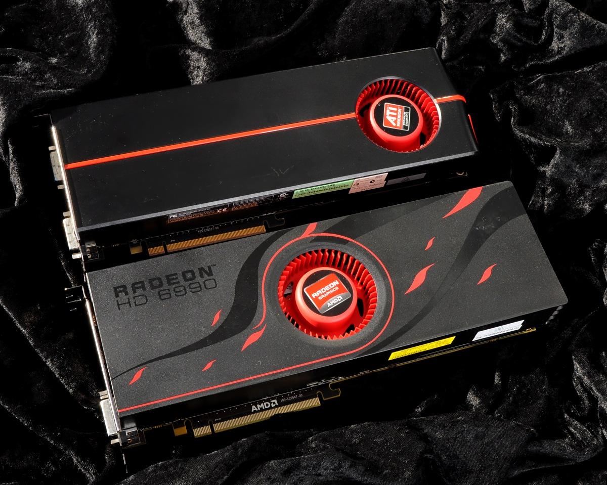 AMD Radeon HD 6990 im Test: Grafikmonster mit 500 Watt für 600 Euro (Update) - Dual-GPU 2010 und 2011, hinten die 5970