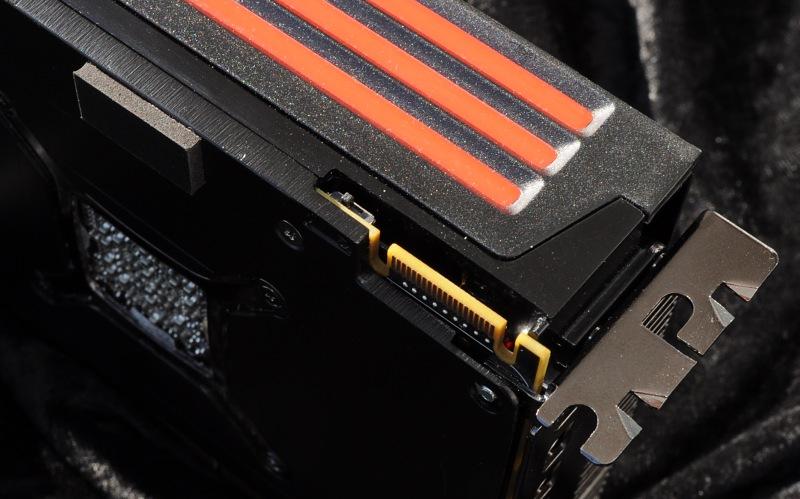 AMD Radeon HD 6990 im Test: Grafikmonster mit 500 Watt für 600 Euro (Update) - Der AUSUM-Schalter