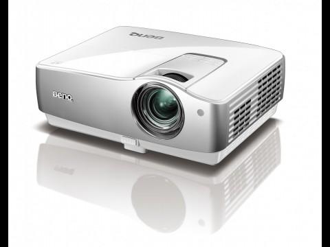 BenQ W1100 - Heimkino-Beamer mit virtuellem Surround-Sound (Bild: BenQ)