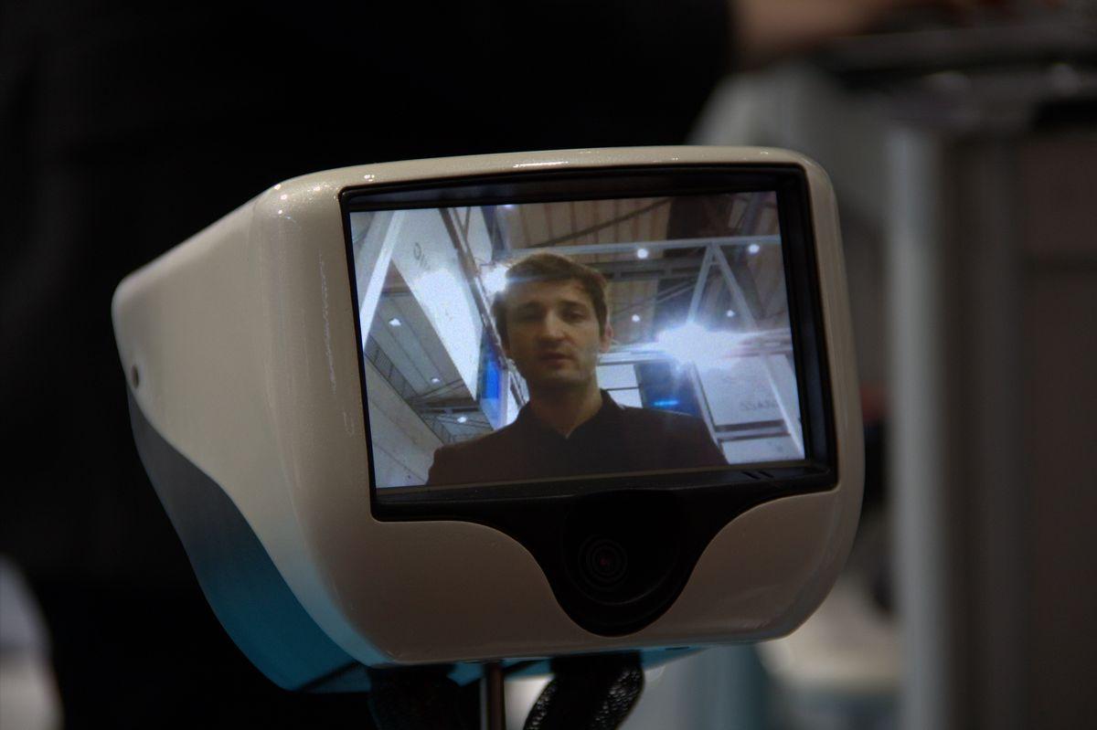 Gostai Jazz: Telepräsenzroboter bekommt ein Display - Der Roboter hat ein Display, auf dem der Nutzer, der ihn steuert, zu sehen ist. (Foto: wp)