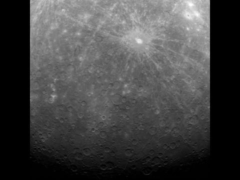 Das erste Bild vom Merkur - der Südpol (Bild: Nasa)