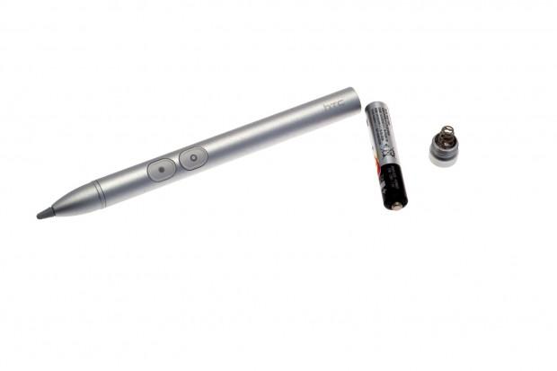 Wir gehen davon aus, dass es sich um einen N-Trig-Stift handelt. Er braucht eine Batterie, da das Display keine Energie abgeben kann.