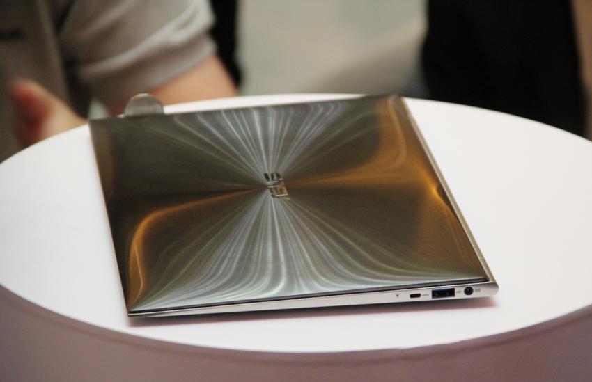 Intel: Ultrabooks statt Notebooks - Asus UX (Bild: Johannes Knapp)