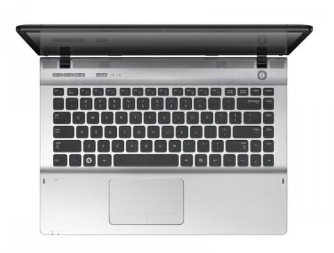 Samsung QX412 - mit großem Touchpad (Bild: Samsung)