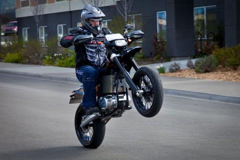 Beschleunigung ist bei Elektromotorrädern kein Problem. (Foto: Brammo)