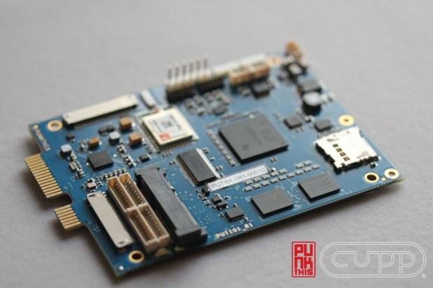 Punkthis - 2,5-Zoll-Modul macht Netbook zum Hybridrechner mit x86- und ARM-CPU (Bild: Cupp Computing)