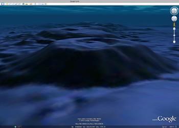Die Lamont-Tiefseeberge wurden von einem ozeanographischen Team am Lamont-Doherty Earth Observatory aus den Daten modelliert. Sie befinden sich westlich von El Salvador bei 9,55 Grad Nord und 104 Grad West.