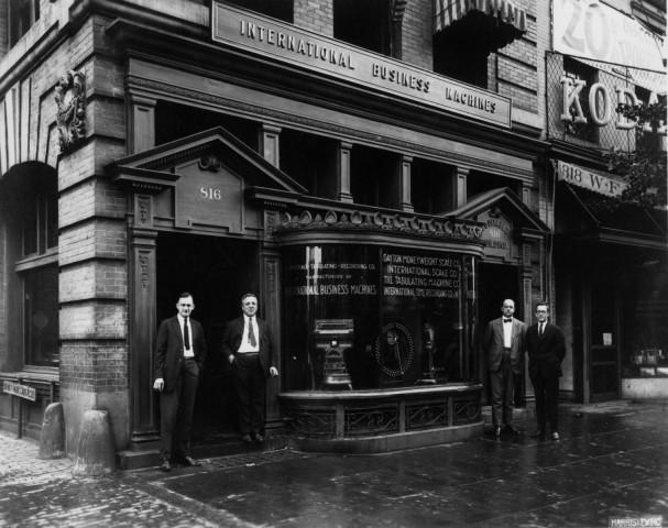1924: Der neue Name IBM soll internationale Ambitionen ausdrücken. (Bilder: IBM)