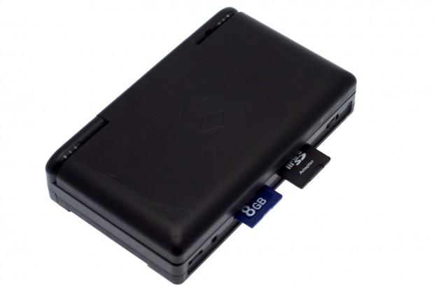 Das Open Pandora besitzt zwei SDHC-Kartenslots.