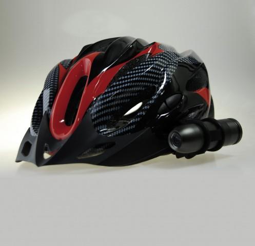 Rollei Bullet HD mit Helmhalterung (Bild: Rollei)