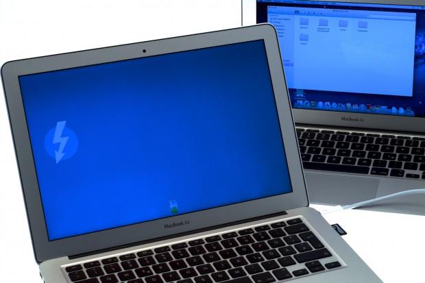 Per Thunderbolt wird ein MAc zu einer externen Festplatte mit Akku.