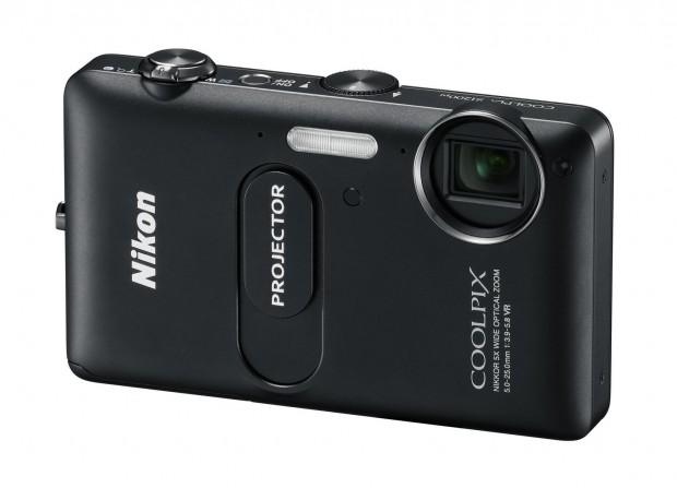 Nikon Coolpix S1200pj (Bild: Nikon)