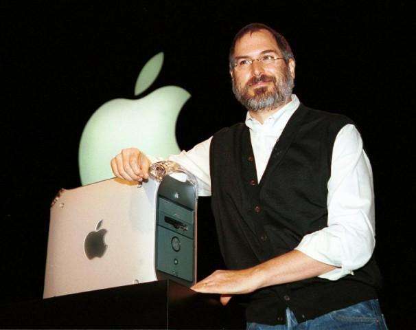 Steve Jobs bei der Vorstellung des Power Mac G4 am 31. August 1999 (Foto: John G. Mabanglo/AFP/Getty Images)
