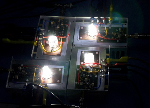 Ostar-LED überträgt Daten mit sichtbarem Licht und erreicht dabei bis zu 500 MBit/s. (Januar 2010)