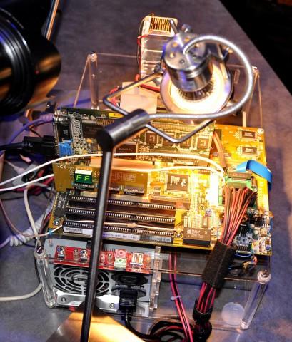 Demosystem mit Pentium-Board (Bilder: Nico Ernst)