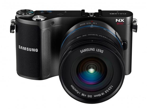 Samsung NX200 (Bild: Samsung)