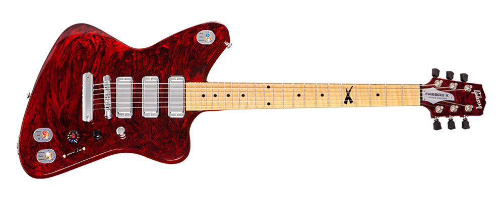 Gibson Firebird X: Hightech-Gitarre mit eigenem App-Store - ... und rotem Korpus an. (Foto: Gibson)
