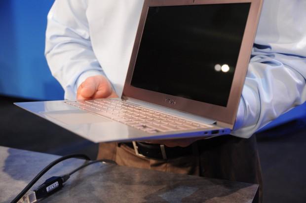 Ivy-Bridge-Ultrabook von Asus (Bild: Nico Ernst)
