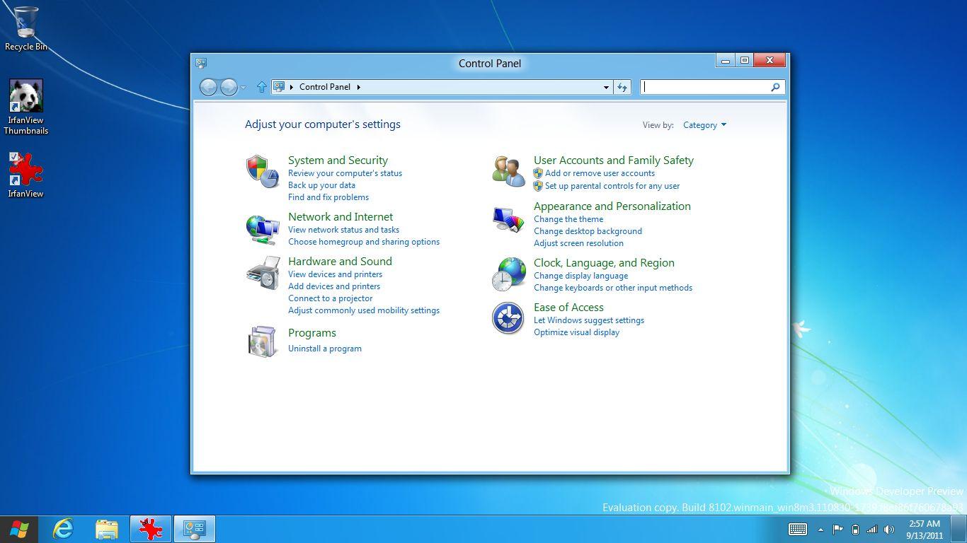 Internet Explorer 10: Microsoft propagiert pluginfreie Websites - Erweiterte Systemeinstellungen gibt es auf dem klassischen Desktop.