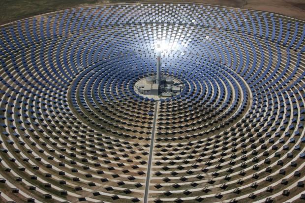Das solare Turmkraftwerk Gemasolar (Foto: Torresol)