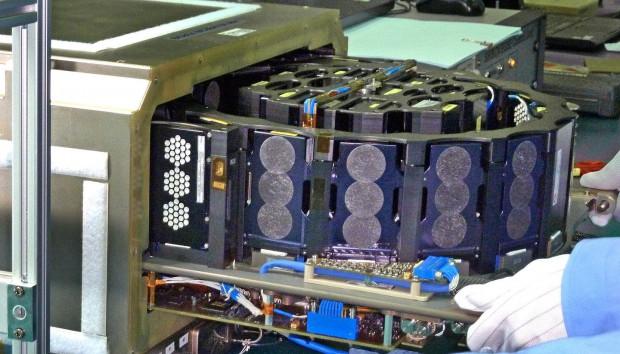Das Weltraumexperiment Simbox (Foto: Astrium)