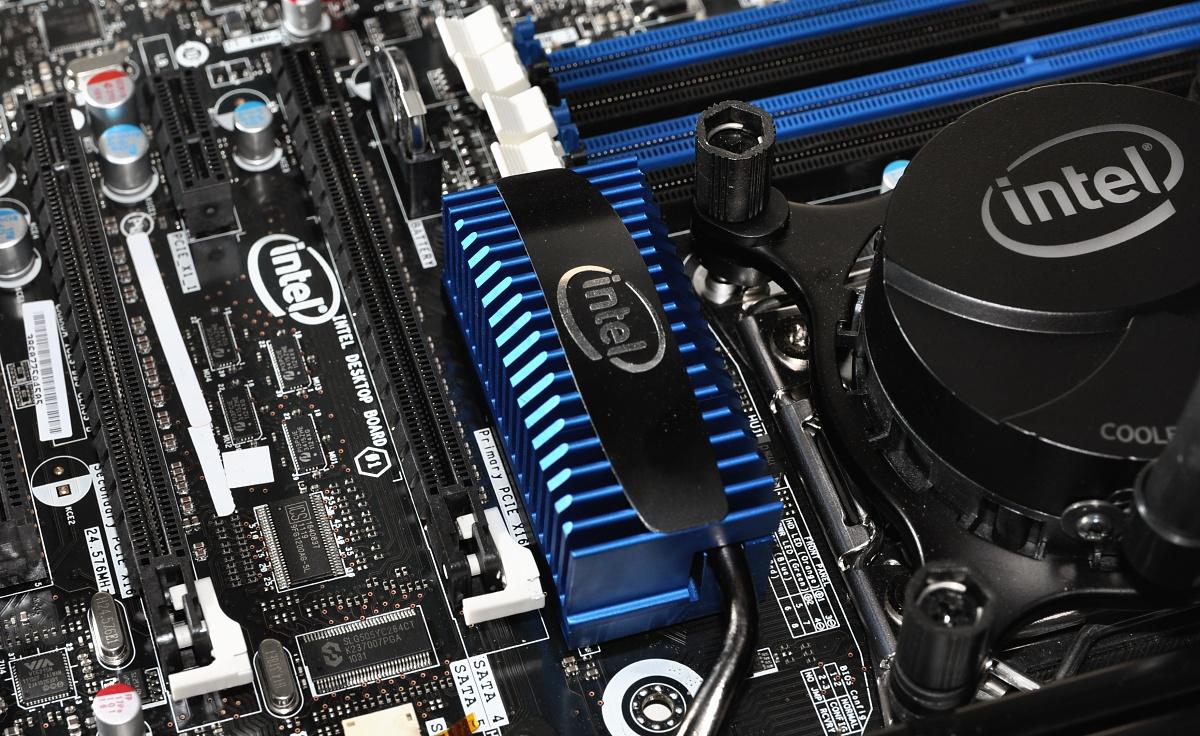 CPU Core i7-3960X im Test: Sechs Kerne gegen 56 GByte RAM - Kaum Platz zum ersten Grafikslot