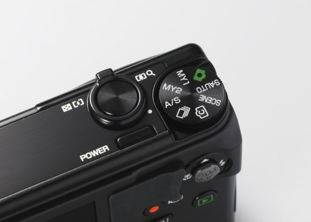 Für die Videoaufnahme gibt es nun einen speziellen Kopf bei der Ricoh CX6. (Bild: Ricoh)