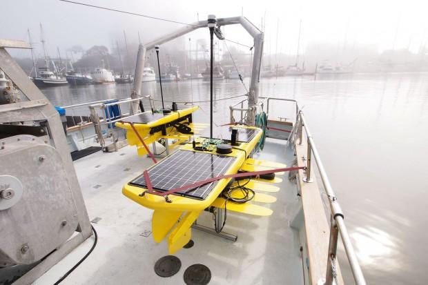 Der Schwimmroboter Wave Glider (Foto: Liquid Robotics)