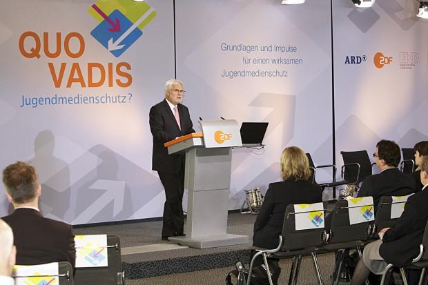 """ZDF-Intendant Markus Schächter bei seiner Rede auf der Tagung """"Quo vadis Jugendmedienschutz"""" in Mainz im November 2011 (Bild: Kerstin Bänsch/ZDF)"""