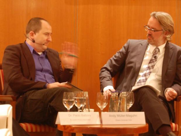 Andy Müller-Maguhn (Chaos Computer Club) und der Moderator von Dell