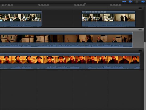 In einem ersten kurzen Praxistest ordnete Final Cut Pro X die Clips von drei Kameras korrekt an.