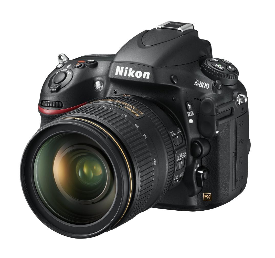 Vollformat-DSLR: Nikon D800 mit 36 Megapixeln und Videokomfort - D800 mit 24-120-Zoom (Bild: Nikon)