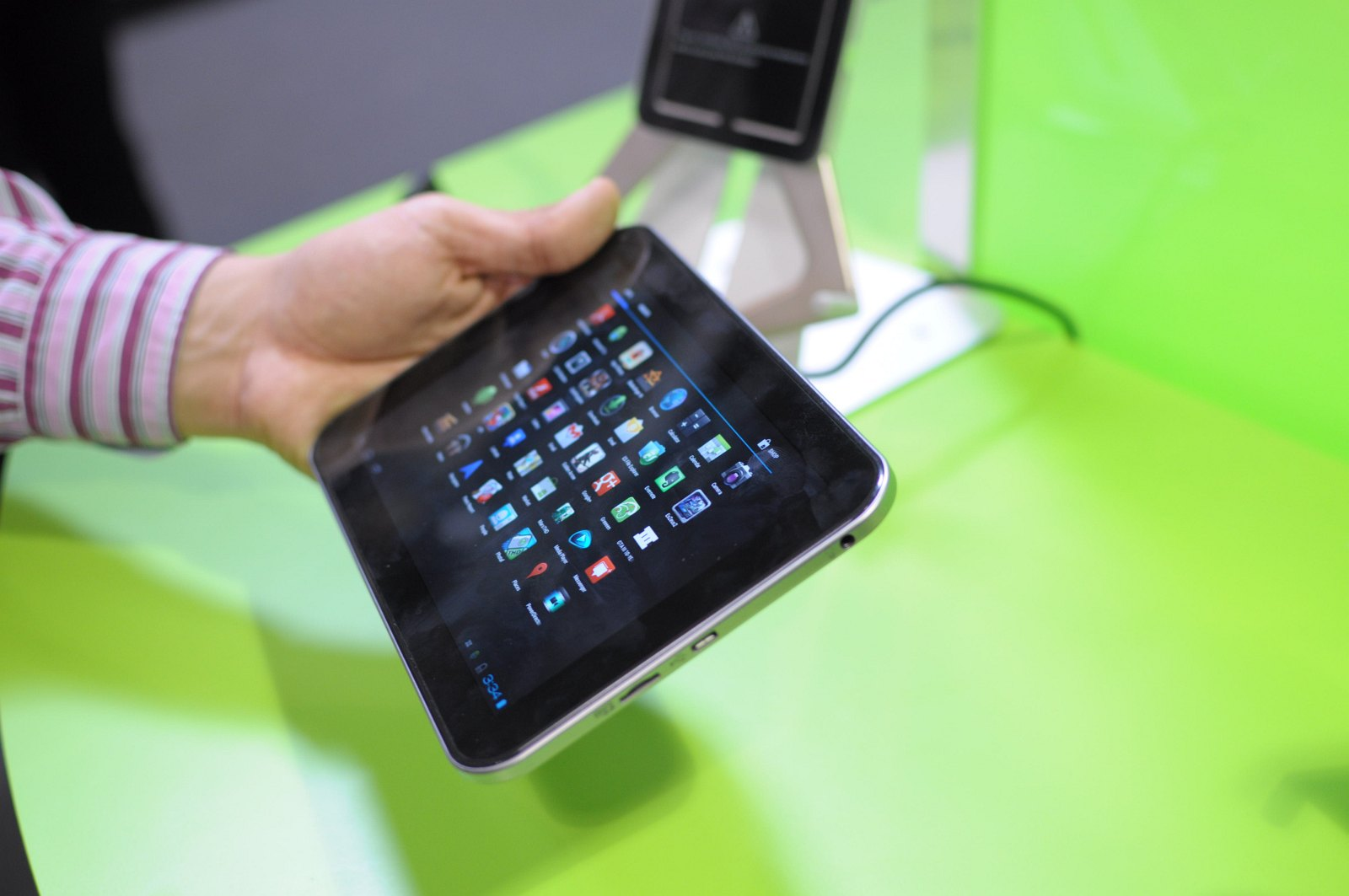 Hands on Toshiba AT270: Kleines Android-Tablet mit Amoled-Display und Tegra 3 - Toshiba AT270