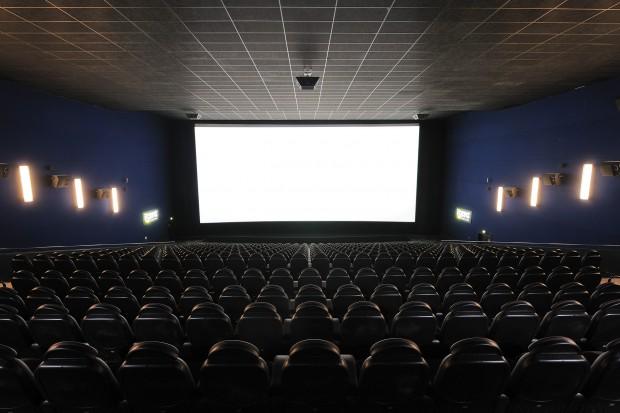 iSens-Kinosaal in Düsseldorf - mit 4K-Projektor für 2D- und 3D-Filme (Bild: UCI Kinowelt)