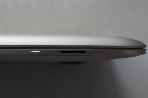 Unter anderem läuft das MacBook Air der ersten Generation nicht mit Mountain Lion (OS X 10.8) (Bild: Andreas Donath)