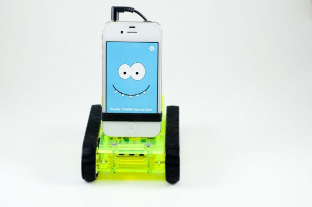 Romo, der Smartphone-Roboter, zeigt Gefühle. (Bild: Romotive)