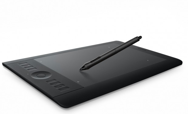 Wacoms neues Stifttablet - Intuos5 touch M mit drahtlosem Eingabestift und alternativer Multitouch-Gestensteuerung (Bild: Hersteller)
