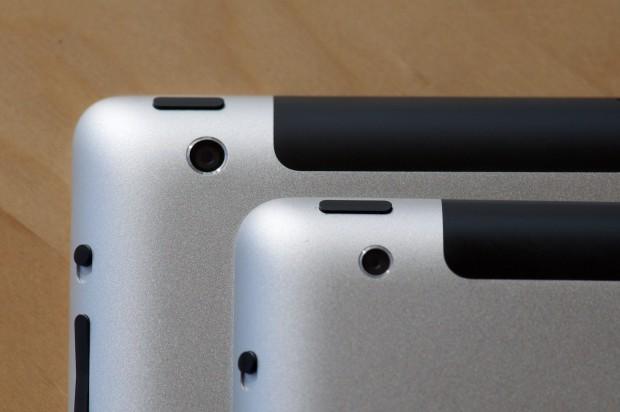 iPad 3 und aufliegend das iPad 2 im Vergleich. Einige der folgenden Bilder sind sehr groß, um der hohen Auflösung des Displays gerecht zu werden. (Bilder: Andreas Sebayang/Golem.de)