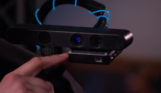 Wearable Multitouch Projector (Bild: Microsoft Research)